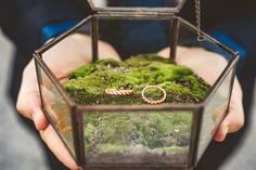 Dreamy styled shoot in Lake Como - Chic & Stylish Weddings Perfect Engagement Ring, Engagement Rings, Lake Como, Wedding Designs, Perfect Wedding, Wedding Bands, Villa, Bridesmaid, Romantic