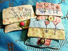 Narrenhände: Juli 2011 - cute scrappy little pouches with free motion embroidery