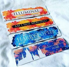 Enter our time-limited give-away and win Jean Paul Gautier Free in any color you want! Carte Harry Potter, Bijoux Harry Potter, Cadeau Harry Potter, Deco Harry Potter, Harry Potter Bookmark, Theme Harry Potter, Harry Potter World, Creative Bookmarks, Bookmarks Kids