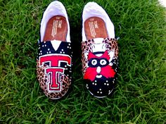 I don't want these of corse... \m/ but I would love so UT custom toms for my birthday.. :)