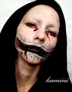 insane creepy card makeup...... I really like this for Halloween ...