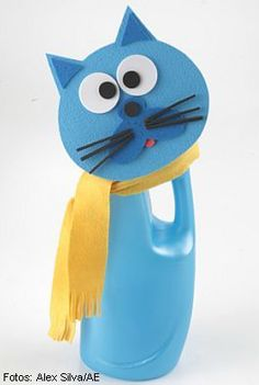 Cat Crafts, Crafts For Kids, Arts And Crafts, Plastic Bottle Crafts, Plastic Bottles, Bottle Art, Recycled Crafts, Preschool Activities, Minions