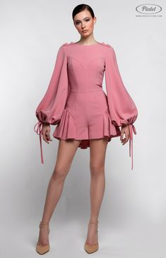 Gently pink mini-jumpsuit with bottom flounce. D… Gently pink mini-jumpsuit with bottom flounce. Simple Dresses, Beautiful Dresses, Casual Dresses, Short Dresses, Fashion Dresses, Fashion Pants, Fashion Mode, Couture Fashion, High Fashion