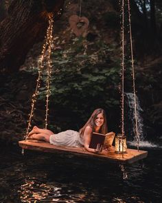 Tell me a story ©daniel_vieira. Mommy Daughter Pictures, Porch Trees, Wooden Swings, Romantic Evening, Rustic Shabby Chic, Porch Swing, Backyard Landscaping, Garden Furniture, Nature