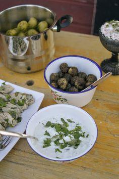 Elämää Koivurannassa: Kalamiehenviettelys Tzatziki, Sprouts, Food And Drink, Vegetables, Vegetable Recipes, Veggies