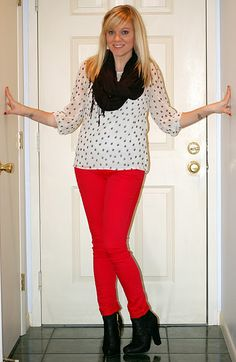 another way to wear red pants Red Jeans, What To Wear, My Style, Blouse, Wear Red, Pants, Tops, Women, Fashion