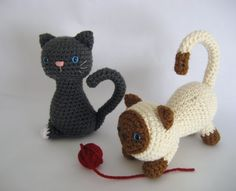 Crochet cute cats, I bet Aunt Andrea could make these??!!