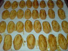 ΜΑΓΕΙΡΙΚΗ ΚΑΙ ΣΥΝΤΑΓΕΣ: Κουλουράκια με πορτοκάλι και μαστίχα !! Greek Cookies, Hot Dogs, Cookie Recipes, Cooking, Ethnic Recipes, Food Food, Recipes For Biscuits, Kitchen, Cookies