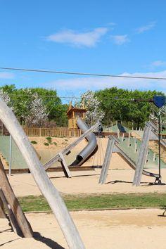 Rutas Mar & Mon: Parque Toboganes Gigantes Can Mates - Mercantic y Monasterio Sant Cugat Outdoor Furniture, Outdoor Decor, Barcelona, Park, Blog, Grande, Pool Slides, Trekking, Celebrity Guys