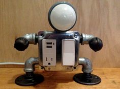 Robot lamp with USB outlet por JosephBarral en Etsy
