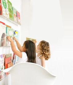 Ubabub Booksee Bookshelf  #booksee #bookshelf #ubabub  http://www.ubabub.com/products/booksee.html