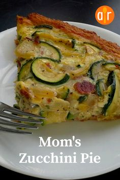 A quick and yummy combination of zucchini, refrigerated crescent rolls, and eggs -- tastes like you spent hours in the kitchen! Vegetable Dishes, Vegetable Recipes, Vegetarian Recipes, Healthy Recipes, Vegetable Pie, Healthy Food, Zucchini Pie, Zuchinni Recipes, Stuffed Zucchini Recipes
