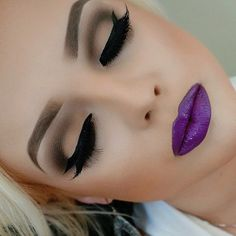 Neutral-ish eye, bold purple lip! #houseoflashes #makeup #boldpurple #purplelip #motd