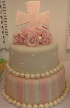 Pretty Cake - Love the Pearls!                                                                                                                                                                                 More