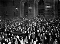 Some 25,000 people gathering outside the Anheuser-Busch Co. brewery, South Broadway and Arsenal Streets, on the evening of April 6, 1933. Beer sales would become legal at midnight, and the brewery was ready with 45,000 cases of bottles and 3,000 half-barrels stored in the plant. Another 10,000 people awaited the first deliveries from Joseph Griesedieck's Falstaff brewery at Forest Park and Spring avenues. (Post-Dispatch)