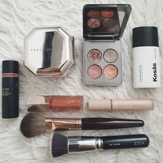 Minimal Makeup, Simple Makeup, Makeup Tools, Makeup Art, Diy Beauty, Beauty Makeup, Makeup Package, Aesthetic Makeup, Gorgeous Makeup