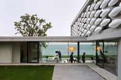 Location: Lac Léman, Thonon-les-Bains, France Area: 300 Year: 2014 Architects: L'agence d'architecture au*m Photographs: Erick Saillet The house on the lake is a project designed for a couple wi… Interior Color Schemes, Interior Design Tips, Colour Schemes, Interior Paint, Bathroom Interior, Interior Styling, Modern Architecture Design, Landscape Architecture, Porches
