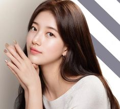 Suzy Looks Absolutely Flawless In Latest Editorial Pictures Bae Suzy, Beautiful Girl Image, Beautiful Asian Girls, Beautiful Ladies, Korean Beauty, Asian Beauty, Studio Photography Poses, Human Poses Reference, Korean Actresses