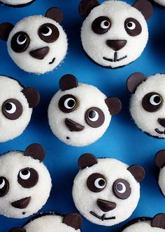 Panda Cupcakes, easy DIY with simple white icing and chocolate chips!