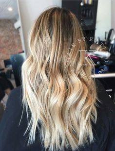 Are you looking for best hair colors to apply for long hair? Just see here, we have made a collection of fantastic long balayage colored hairstyles Messy Hairstyles, Pretty Hairstyles, Baliage Hair, Hair Color Guide, Blonde Hair Looks, Hair Shades, Ombre Hair, Gorgeous Hair, Dyed Hair