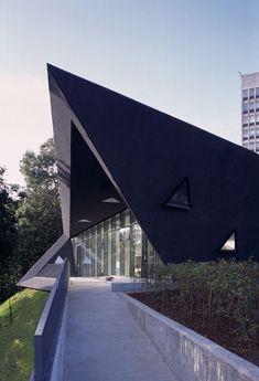 Fife Maggie Centre, Kirkcaldy, 2006 - Zaha Hadid Architects