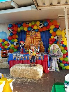 Toy story party this is it! How your shower needs to be! Fête Toy Story, Toy Story Baby, Toy Story Theme, Toy Story Cakes, Woody Birthday Parties, Birthday Party Decorations, 3rd Birthday, Birthday Backdrop, Birthday Ideas