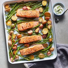 A complete sheet pan dinner that feeds 4 people in just 40 minutes? It doesn't get much better than this fuss-free dinner prep method. Fish Recipes, Seafood Recipes, Healthy Recipes, Recipies, Alkaline Recipes, Duck Recipes, Healthy Appetizers, Top Recipes, Healthy Meals