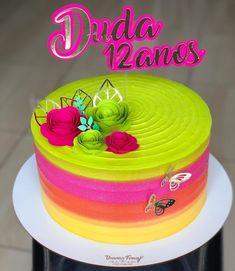 Neon Birthday Cakes, Happy Birthday Fun, Frozen Birthday Party, Bolo Neon, Jasmine Cake, Neon Cakes, Hippie Birthday, Neon Party, Cake Decorating Techniques