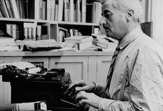 Estados Unidos podría tener un museo dedicado a su literatura en 2015   // Imagen:  El escritor estadounidense William Faulkner, fotografiado en 1945 // Tags: #Literatura #Libros #Museos #Cultura //  Material via Twitter @EntreLectores