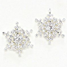 La De Da Too Easton MD Women's Boutique Shopping Discover Easton Christmas Winter Holiday let it snow!  Absolutely gorgeous snowflakes for your ears!  The crystal rhinestones sparkle and glitter with every movement