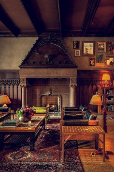 Chicago Athletic Association - The Living Room.