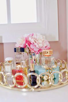 closet/office with lovely details  closet/oficina con hermosos detalles