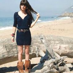 nice tunic and boots. nice color