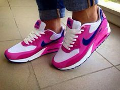 Cute Sneakers, Shoes Sneakers, Mode Shoes, Tenis Casual, Baskets, Nike Outfits, Sneaker Boots, Look Cool, Shoe Collection