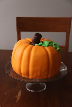 Big pumpkin cake is just over across pumpkin cake (pumpkin puree and flavored yellow cake) with caramel flavored marshmallow fondant. Birthday Cakes, Birthday Ideas, Birthday Parties, Princess Party, Disney Princess, Flavored Marshmallows, Biggest Pumpkin, Cake Decorating, Decorating Ideas