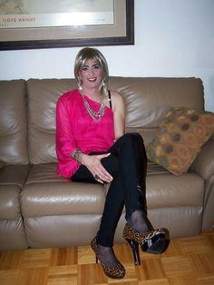 Red Leather, Leather Jacket, Crossdressers, Jackets, Fashion, Studded Leather Jacket, Down Jackets, Moda, Leather Jackets