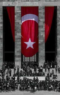 life is strange, aliens are even stranger . Turkish National Anthem, Ottoman Flag, Mobile Wallpaper, Iphone Wallpaper, Turkey Flag, Republic Of Turkey, Turkish Army, Turkish Military, Life Is Strange