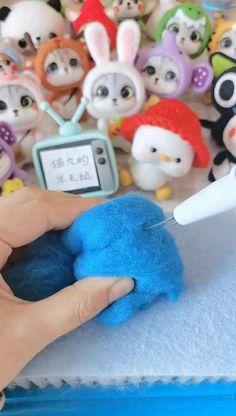Diy Resin Crafts, Diy Craft Projects, Yarn Crafts, Easy Felt Crafts, Cute Crafts, Crafts For Kids, Needle Felting Tutorials, Needle Felted Animals, Felt Diy