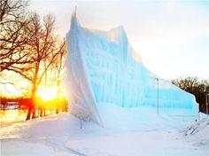 Incredible Ice Castles Grown by a Minnesota Man Using Geothermal Heating System. - my kind of art - Geothermal Energy Unusual Buildings, Beautiful Buildings, Ice Hotel, Geothermal Energy, Ice Art, Ice Castles, Ice Sculptures, Heating Systems, The Help