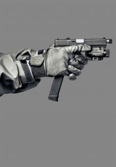 Okay.... Now that is what a Glock should look like... maybe add a suppressor as well. #Firearms