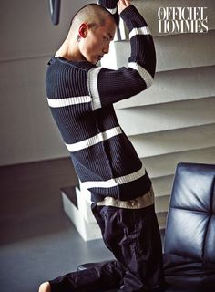 Park Sung Jin for L'Officiel Hommes Korea September Photographed by Kong Young Kyu Gorgeous Men, Beautiful People, Skinhead Men, Park Sung Jin, Korean Fashion, Mens Fashion, Hair Again, Orphan Black, Male Models