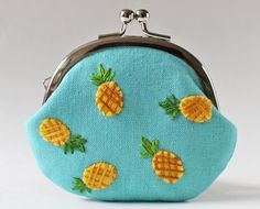 Coin purses by oktak on Etsy    • So Super Awesome updates also via e-mail subscription, Facebook, Twitter and Pinterest •