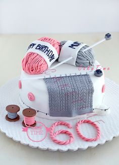 a cake for a knitting and sewing enthusiast