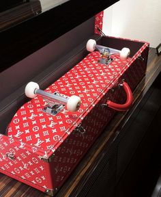Louis Vuitton supreme skate