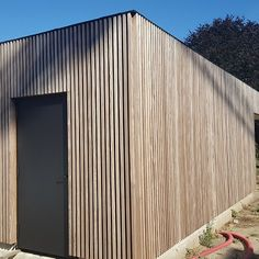 Hardhouten bijgebouw Cottage Design, Tiny House Design, Outdoor Garden Sheds, Timber Walls, Timber Buildings, Timber Cladding, Garden Architecture, Contemporary Garden, House Extensions