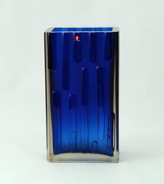 Glass vase by Tapio Wirkkala for Iittala Nordic Design, Scandinavian Design, Cobalt Glass, Cobalt Blue, Mosaic Glass, Glass Art, Different Kinds Of Art, Retro Design, Glass Design