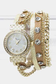 Has That Tough Stylish Look Leather Wrap Bracelet Watch