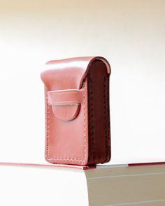 Leather holder for cigarette.. Cigarette case wallet. Cigarette Box. Leather cigarette case. Womens, mens Christmas gift. Personanilzed.