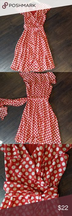 Pin up perfect, backyard bbq dress NWOT NWOT Too cute for words! NWOT never worn but I removed the tags so I can't return it. It doesn't fit me due to weight change. Boo! 37 inches long Sits at or below knee Discontinued impossible to find-get it here! Dress Barn Dresses