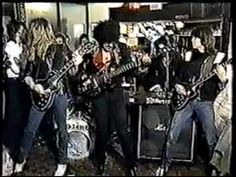 Thin Lizzy - Cold Sweat - (Performed live in Pub, England, '83)